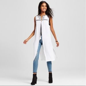 Mossimo Embroidered Tassels Vest White/Black S
